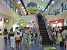 verdiente Abkühlung in der Mall