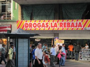Medikamente heißen komischerweise DROGAS...wie passend in Kolumbien