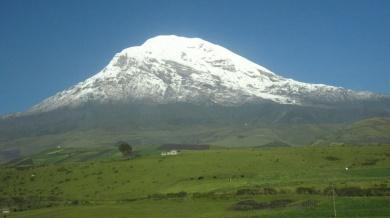 Vorbeifahrt am Chimborazo (6310 m)