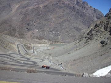 hinauf zum Grenzübergang Chile - Argentinien