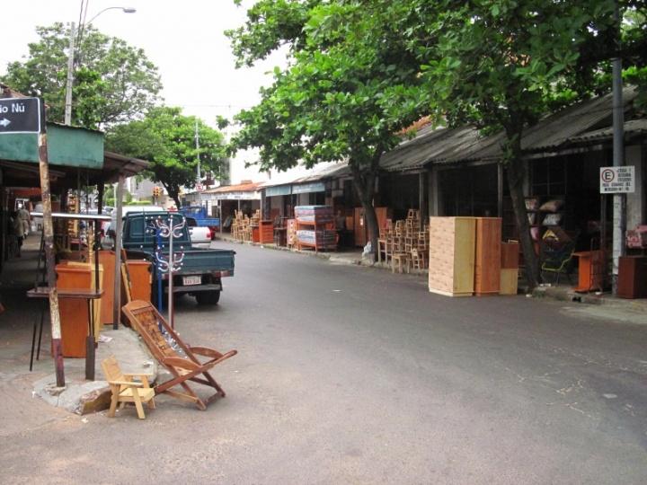 Möbelstrasse in Asuncion