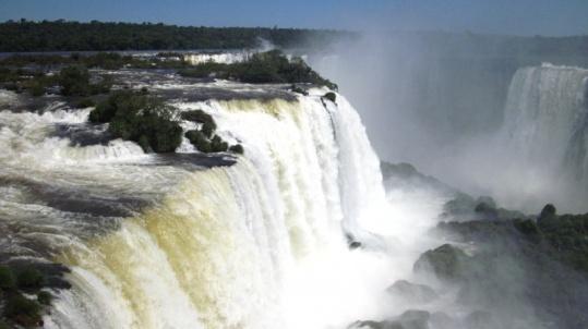 Iguazú...großes Wasser