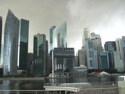 Singapores Skyline wie gemalt