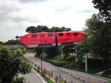 Monorail im Sentosa Park