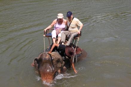 kurz bevor sich der Elefant auf die Seite legte...