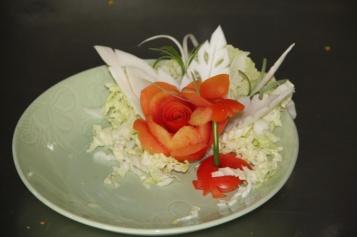 Tomatenschnitzerei des Küchenchef