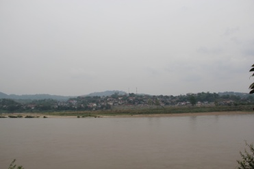 Mekong mit Blick nach Laos