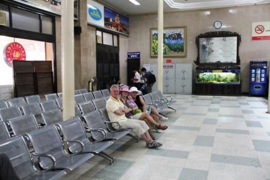 Im Bahnhof Hanoi