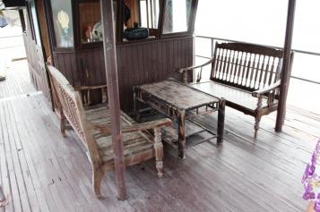Tolle Sitzecke auf dem Tagesausflugsschiff