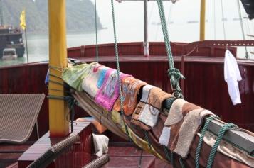 Für Uli... unsere Lepralätzchenkollektion auf dem Schiff