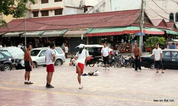 beliebtes Spielchen in Cambodia