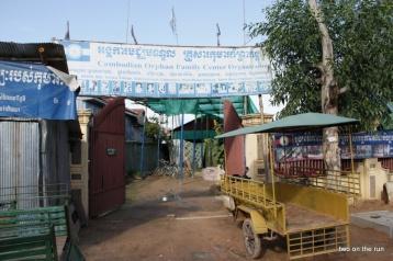 Eingang zum Waisenhaus