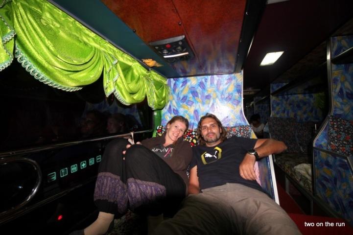 Im Nachtbus