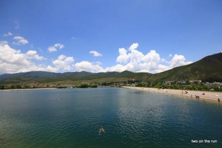 Lijiang - künstlicher Badesee