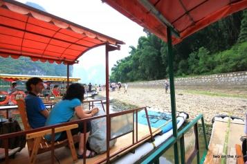 Anspannung vor der Abfahrt - Bootstour auf dem Li-Fluss