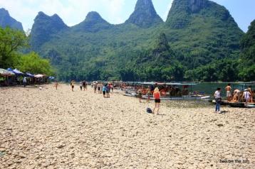Pause während des Boottripps auf dem Li-Fluss