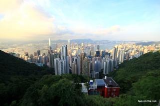 Vom Peak - i.V. Hong Kong dahinter Kowloon