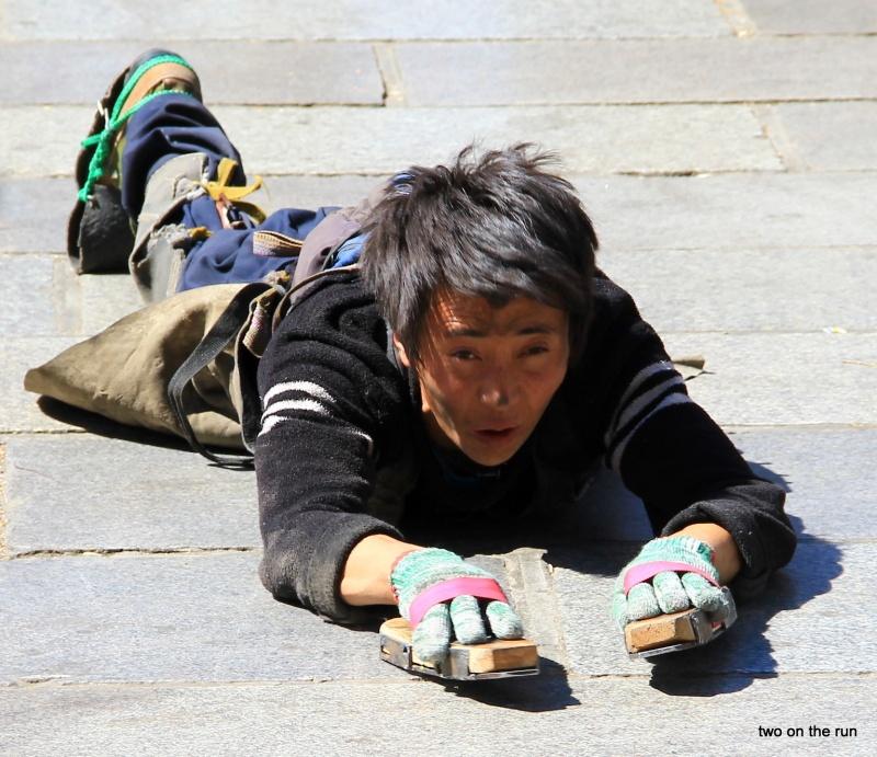Gläubiger in Lhasa auf dem Barkhor Square