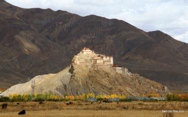 Eine Burg / Schloss in Gyanstse
