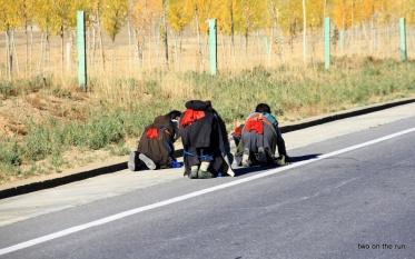 Frauen pilgern wieder nach Hause (Strecke ca.1000 km)