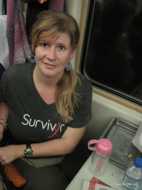 Angie im Zug