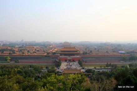 Blick auf die Verbotene Stadt vom Hügel im Jingshan Park