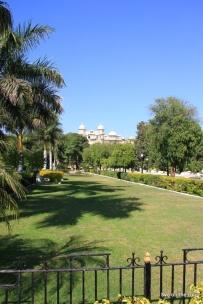 Udaipur mit Palast im Hintergrund