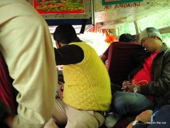 Im Bus zur indischen Grenze