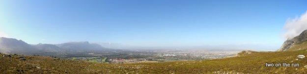 Blick von hinten auf den Tafelberg ...linke Seite