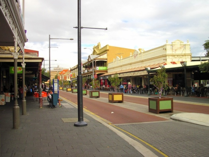 "Fremantle ""Cappuccino Strip"""