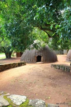 Swaziland - Typisches Rundhaus