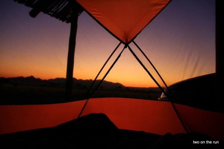 Guten Morgen Namib - Blick aus dem Zelt