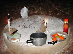 Vorbereitung des Abendbrotes auf dem Zeltplatz