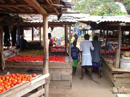 Ein malawischer Tomatenmarkt