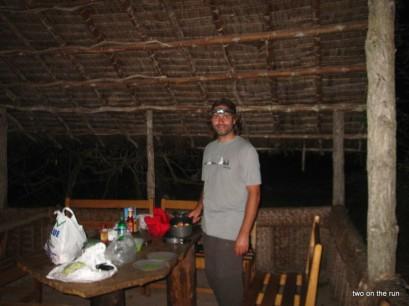 Peponi Beach Resort - Wir machen Abendessen