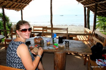 Peponi Beach Resort - Frühstück mit Blick aufs Meer