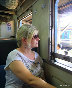 Mit dem Zug nach Ayutthaya