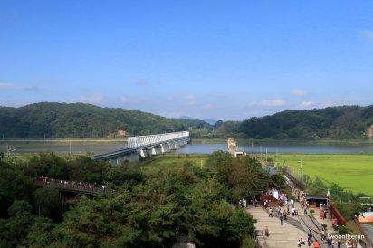 Friedensbrücke mit Blick auf Südkorea